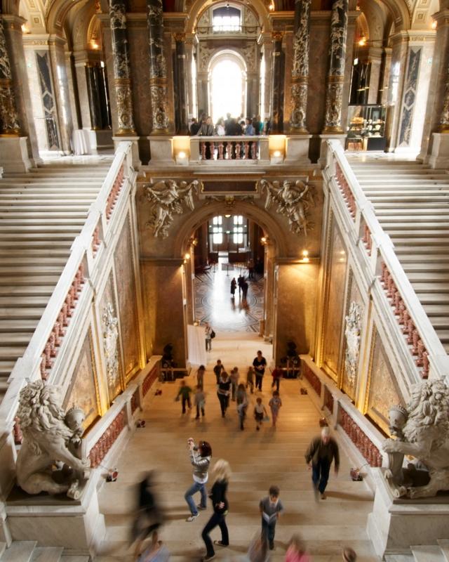 Haupttreppe des Kunsthistorischen Museums Wien